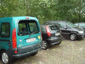 Unwetter 2004/3: Der Parkplatz - nur noch Schrott ...!