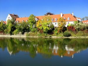 Herbststimmung an und in der schnen blauen Donau in Neuburg