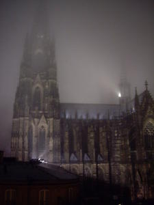 VERSCHLEIERTER KLNER DOM