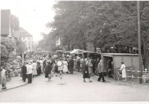 Anfang der 50 er Jahre; Wochenmarkt in Lehrte