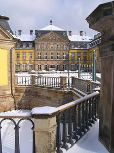 Residenzschlo im Winterschlaf . . . ?