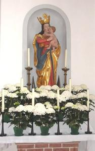 Maialtar in der Unterthrheimer Maria Hilf Kirche