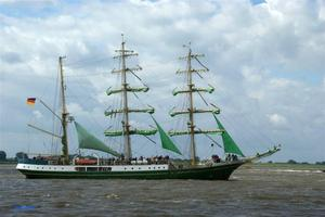 Sail 2010: Die 'Alexander von Humboldt' ...