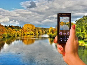 Bunter Herbst plus Hightech (Donau bei Lauingen)