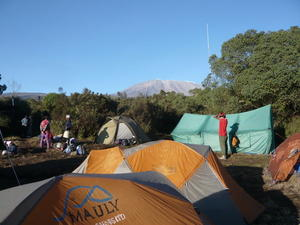 Simba Camp, ca. 2700 m, und Kilimandscharo