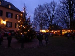 Weihnachtsmarkt auf Schloss Landau Programm fr 12. Dezember 2010 steht