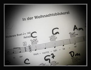 ...wo man singt, da lass dich ruhig nieder, bse Menschen......