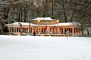Loretta`s Biergarten im Schnee