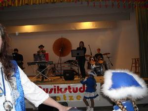 Stimmungshochgenu mit der Bumenheimer Jugend-PartybandB16 in Oberndorf
