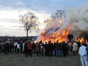 Osterfeuer in Heessel