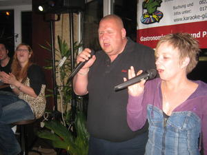 Sing in den Mai - Karaoke-Party am 30.04.11 im Bistro Denise in Krumbach