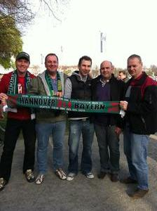 Hier hatten sie auch ganz viel Spa: In der Arena bei Hannover 96....naja, der Sieg gegen die Bayern wurde auch gefeiert...von den meisten jedenfalls ;-)