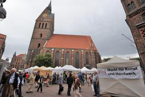 Hannover an der Marktkirche: Markt fr Kunst und Handwerk 18-19. Juni 2011.