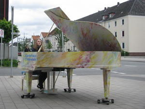 Piano in the City - Violetta Quapp 'beflügelt' Letter
