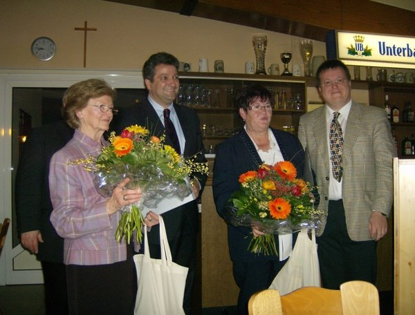 v.l.n.r.: Olga Blank, MdL Dr. Thomas Beyer, Erika Mller, Thorsten Kelichhaus