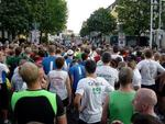 Die Athleten der 10-Kilometer-Distanz Sekunden vor dem Start.