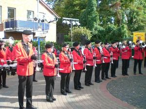 Fanfaren-Corps Laatzen e.V. beim Brunnenfest Grasdorf 2011