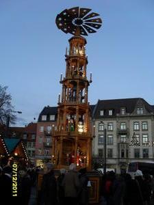 Weihnachtspyramide auf dem Erfurter Weihnachtsmarkt