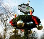 Weihnachtliches an einer Wegkreuzung in Bissendorf (Wedemark)