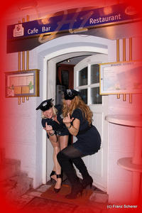 Weiberfasching 2012 in Friedberg: Die Friedberger Police Academy sorgte fr Ordnung