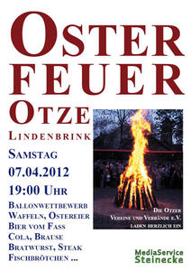 Traditionelles Osterfeuer auf dem Lindenbrink in Otze am 7. April 2012