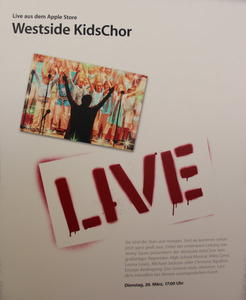 Toller LIVE - Auftritt  im Apple Store Mnchen   -----------------------            Germeringer Westside KidsChor Girls