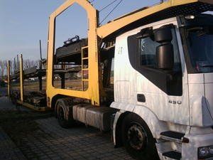 Leerer Autotransporter