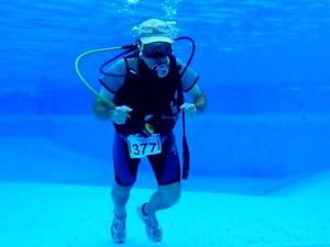 Trendsport 'Under-Water-Running' - April Fools´ Day