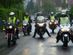 Das Brautpaar fhrt vor! - 15. kumenischer Motorradgottesdienst in Stadtallendorf