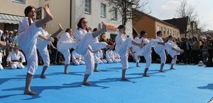 Shorinji Kempo Schwabmnchen prsentiert sich beim Frhlingsfest
