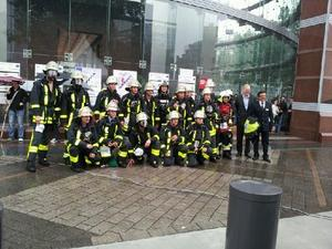 Berufsfeuerwehr Frankfurt am Main stellt Siegerteam beim Frankfurter SkyRun