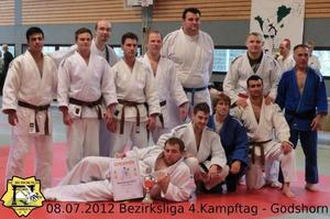 Mnnermannschaft des SC Budokwai Garbsen gewinnt Judo-Bezirksliga 2012
