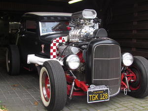 Oldtimer??  -  oder selbst gestrickt