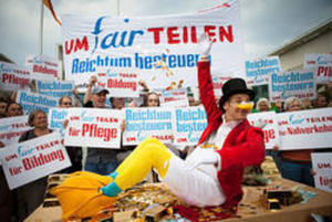 UmFAIRteilen - Reichtum besteuern! Aktionstag am 29.9.12