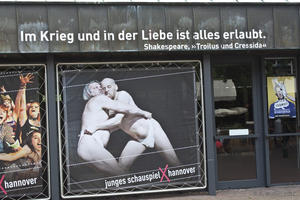 Tja ... <br>Plakat am Ballhof-Theater.
