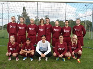 Trikotsponsoring fr die Fuballfrauen des FC Knigsbrunn