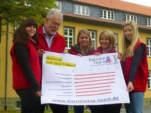 Karrieretag Soest: Julia, Anja, Rsza und Melanie setzen fr ihre Karriere auf hohe Motivation und Teamfhigkeit
