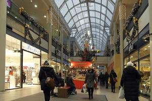 In Kiel: Festlicher Glanz im Shoppingcenter 'Sophienhof'