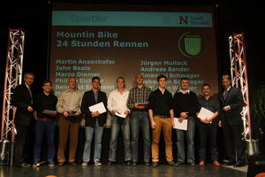 Goldene Sportplakette fr das Team LEW Bergziege - Mountainbiker von der Stadt Neus ausgezeichnet