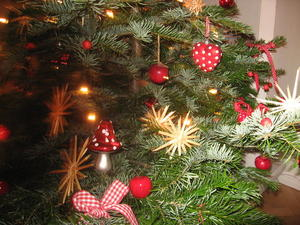 Christbaum 2011 - geschmckt von meiner Tochter.