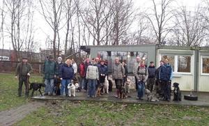 Hundeschule des IRV Gruppe 53 in Rethen trifft sich zum Neujahrsspaziergang 2013