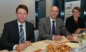 Augsburger Innovationspark: Zusammenarbeit besiegelt