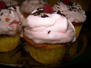 Vanille-Himbeer-Cupcakes