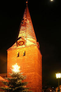 Der winterliche St.-Blasius-Kirchturm