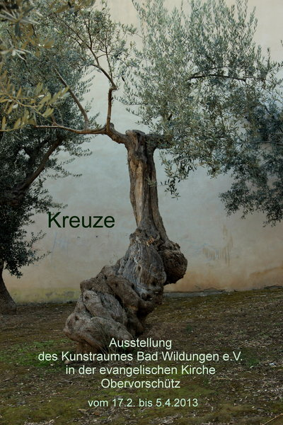 'Kreuze' - der 'Kunstraum Bad Wildungen e.V.' stellt aus.
