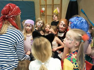 Wieder ber 60 Kinder beim Fasching des TV Lohnde am 07.02.13