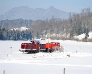 Auch bei der Eisenbahn muss manchmal Schnee gerumt werden.....!!! Der (Schienen-)Schneepflug einst alltglich,heute fast ausgestorben
