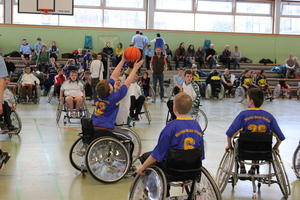 Rollstuhlbasketball Turnier in der IGS Kronsberg (Teil 1- Leistungsgruppe B)