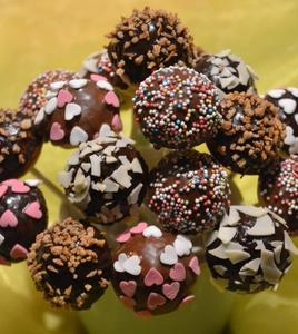 cake pops kuchen am stiel langenhagen. Black Bedroom Furniture Sets. Home Design Ideas