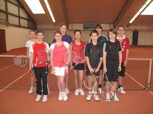 Kennenlern-Match der Juniorinnen B und Junioren B vom Tennisclub TSV Burgdorf